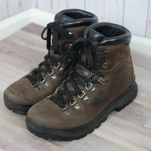 a62499cb29c L.L. Bean Women's Gore-Tex Cresta Hiking Boots